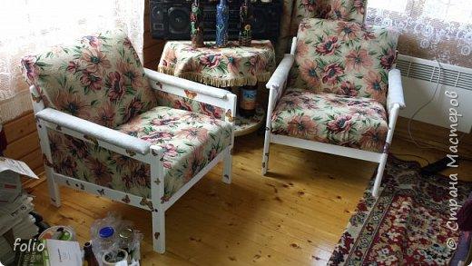 Честно говоря ожидала большего. Но у меня была цель, сделать мебель однотипную. Одинаковые стулья... одинаковые кресла Кому интересно, стулья вот здесь http://stranamasterov.ru/node/941866 фото 25