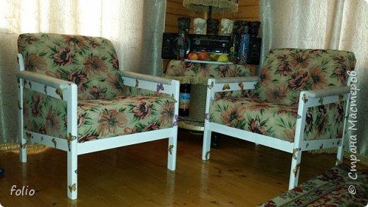 Честно говоря ожидала большего. Но у меня была цель, сделать мебель однотипную. Одинаковые стулья... одинаковые кресла Кому интересно, стулья вот здесь http://stranamasterov.ru/node/941866 фото 27