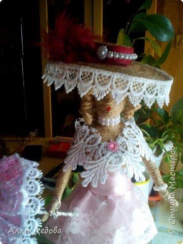 Я просто влюбилась в куклы из шпагата, это такой простор для фантазии. фото 3