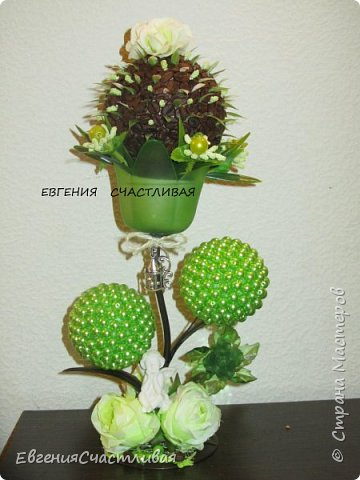 """""""МАКОВКА""""- использованы натуральные кофейные зерна, искусственные цветы-  маки, флор зелень, металлический декор-подкова, керамическая подставка, декоративные шары фото 11"""