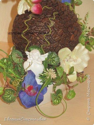"""""""МАКОВКА""""- использованы натуральные кофейные зерна, искусственные цветы-  маки, флор зелень, металлический декор-подкова, керамическая подставка, декоративные шары фото 17"""