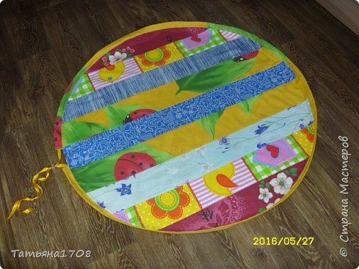 Идея коврика-мешка для игрушек честно стырена мною из просторов интернета. Но показалась довольно интересной=)  фото 3