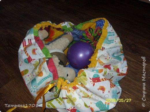 Идея коврика-мешка для игрушек честно стырена мною из просторов интернета. Но показалась довольно интересной=)  фото 1
