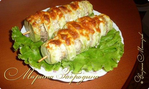 Пока кабачки еще молоденькие, можно сделать из них много вкусных блюд. Предлагаю приготовить кабачки с мясом на шпажках. Запекать их будем в духовке с сыром и сметаной. фото 15