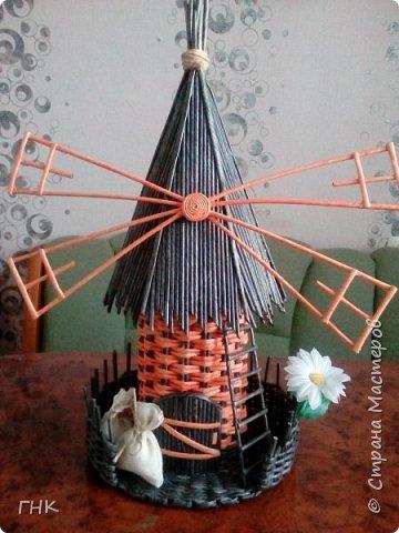 Здравствуйте, дорогие мастерицы! Выдалась свободная минутка, и я хочу показать Вам мельнички, которые у меня родились. Крыши делала вот по этому МК http://stranamasterov.ru/node/729415.   фото 3