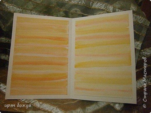 На прошлой недели в Ютубе посмотрела МК-как делать фон с помощью акварельных красок и штампов (https://www.youtube.com/watch?v=IXf3xmxnGQs).Решила попробовать. Вот результат. Сделала сразу 3 штуки в разной цветовой гамме.На двух открытках цветочки самодельные,наверное их сразу видно. Итак,смотрим. фото 7