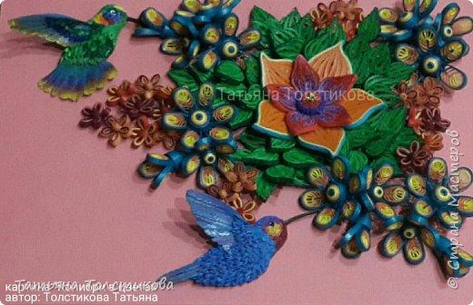 Лето....вокруг столько ярких красок и вдохновения! Очередная картина с маленькими чудо птичками- колибри. В нашей стране таких птичек нет, но я очень люблю разглядывать фото с этими удивительными созданиями, и вот, насмотревшись, я сделала такую небольшую картину размером 30×21. Делюсь теперь с вами своим творчеством. Приятного просмотра! фото 5