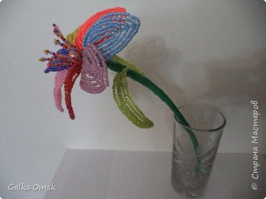 Вот такой цветок получился у меня из остатков бисера. фото 2