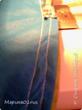 Просматривая и сортируя детские игрушки я наткнулась на старую палатку, выкинуть ее было жалко, поэтому и пришла идея сшить из нее мешок для хранения игрушек.  Нашла Мк в интернете http://www.diy.ru/post/8232/ и вот что получилось. фото 5