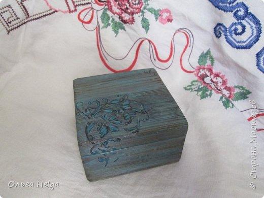 Доброго всем дня. Хочу показать сегодня комплект шкатулочку и расческу, заказали в подарок. Шкатулка мдф, сделан декупаж распечаткой, на боковинках и вокруг рисунка немного узора текстурной пастой. Картинка - прекрасные розы Catharina Klein. фото 7