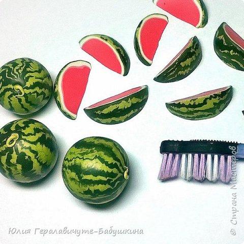 """Всем привет! Давненько меня не было)) Сегодня хочу показать миниатюрные """"Фрукты-овощи"""" из термопластики. Накопилось очень много фотографий, пост будет длинный, поэтому кто досмотрит до конца буде бонус-МК клубнички)) фото 22"""