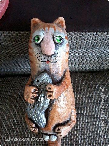 """Доброго времени суток Страна Мастеров!Налепила,накрасила,приглашаю посмотреть.Панношка из керапласта,названия нет,я называю """"Котик"""",чего-то не хватает...Первый опыт по лепке такого изделия из керапласта. фото 8"""