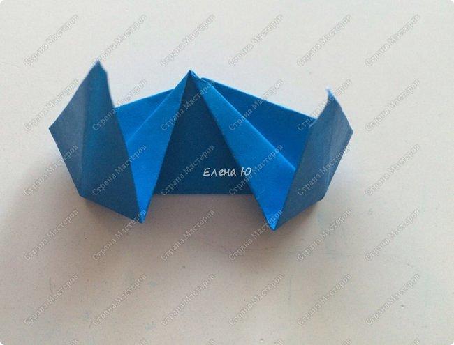 Для открыточки использован японский цветок-оригами, который я и предлагаю научиться складывать.  фото 25