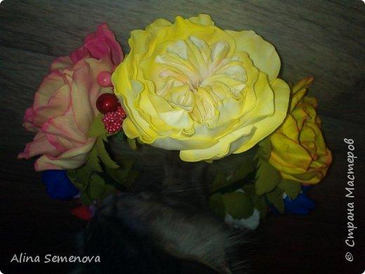 Объемные венки с цветами из фома фото 6