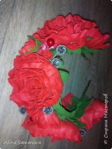 Объемные венки с цветами из фома фото 10
