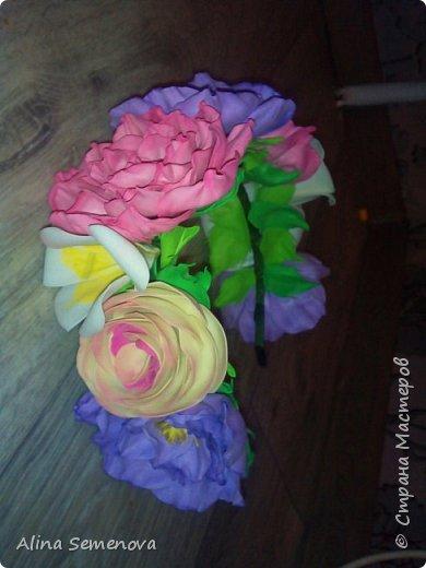 Объемные венки с цветами из фома фото 14