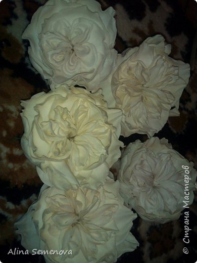 Объемные венки с цветами из фома фото 16