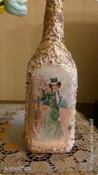 Обратный декупаж создание сложного фона кракелюром, роспись контуром и золотой краской на лицевой части тарелки фото 11