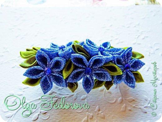 """Здравствуйте, дорогие жители Страны Мастеров. Сегодня добавляю свои немногочисленные работы в виде заколок для волос канзаши. С нетерпением жду Ваших отзывов.  """"Синий сад"""". фото 2"""