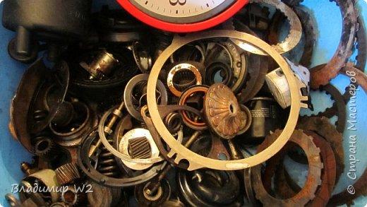 Таймпанк (англ. timepunk) — поджанр научной фантастики, моделирующий мир стоящий на каком-то ином технологическом уровне, что подразумевает иные законы социума. фото 2