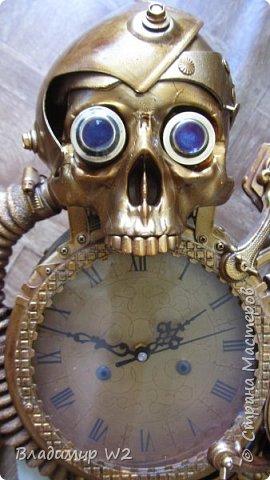 Таймпанк (англ. timepunk) — поджанр научной фантастики, моделирующий мир стоящий на каком-то ином технологическом уровне, что подразумевает иные законы социума. фото 23