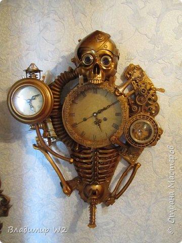 Таймпанк (англ. timepunk) — поджанр научной фантастики, моделирующий мир стоящий на каком-то ином технологическом уровне, что подразумевает иные законы социума. фото 25