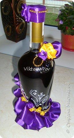 """Всем желаю доброго дня! Сегодня хочу показать декорированную бутылочку по поводу Дня рождения моей старшей кумушки. Она большая почитательница фиолетового цвета и """"напитка богов"""". Прототипом и вдохновителем стала работа Елены Чагеевой http://stranamasterov.ru/node/411951, за что ей огромная благодарность! И вот она - моя Кармен. фото 1"""
