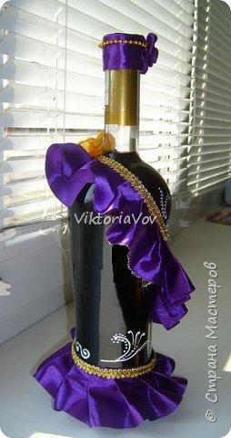 """Всем желаю доброго дня! Сегодня хочу показать декорированную бутылочку по поводу Дня рождения моей старшей кумушки. Она большая почитательница фиолетового цвета и """"напитка богов"""". Прототипом и вдохновителем стала работа Елены Чагеевой http://stranamasterov.ru/node/411951, за что ей огромная благодарность! И вот она - моя Кармен. фото 3"""
