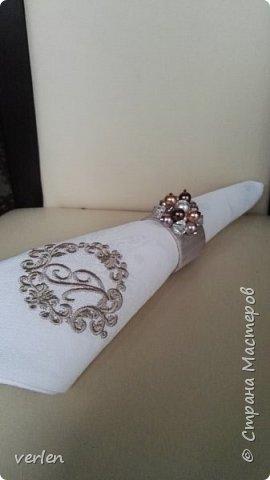 Салфетки с именной вышивкой и кольцами фото 3