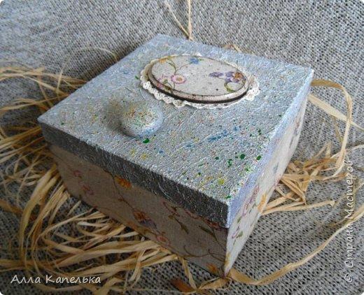 Наконец-то я для своих любимых конфеток сделала шкатулку. Теперь они будут лежать в красивом и удобном месте, а не валяться в пакетике в комоде... фото 5