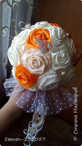 Свадебный букет-дублер из атласных лент,украшен стразами,бусинками,бижутерией..цвет-Апельсиновая свадьба! фото 1