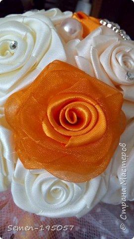 Свадебный букет-дублер из атласных лент,украшен стразами,бусинками,бижутерией..цвет-Апельсиновая свадьба! фото 3
