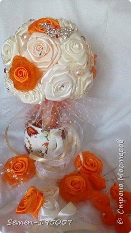 Свадебный букет-дублер из атласных лент,украшен стразами,бусинками,бижутерией..цвет-Апельсиновая свадьба! фото 4