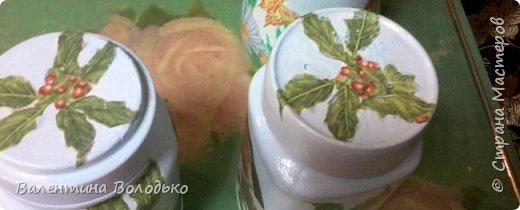 Здравствуйте дорогие мастера и мастерицы!!!Сегодня у меня несколько работ в технике декупаж. Досочку делала в подарок любимой мамочке,а вазочка и баночки для дочери. фото 10