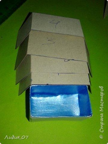 Здравствуйте мастерицы!!! Давно была у меня запланирована спальня для кукол в голубом, уж больно мне этот цвет нравится, но руки ни как не доходили. Но однажды в одной соц сете я увидела мастер класс на стульчик для кукол, и он меня вдохновил, я решила сделать спальню в романтическом стиле))) Сегодня покажу как я делала туалетный столик.... фото 36