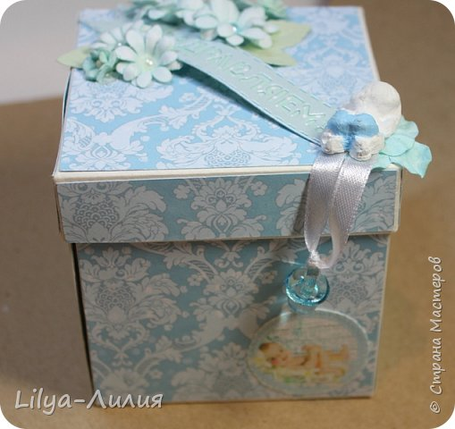 Вот такая коробочка получилась на рождение малыша. Очень нежная и трогательная! фото 1
