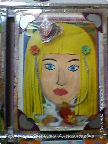 Ученики 3 класса  нарисовали и украсили  портреты своих мам. фото 16