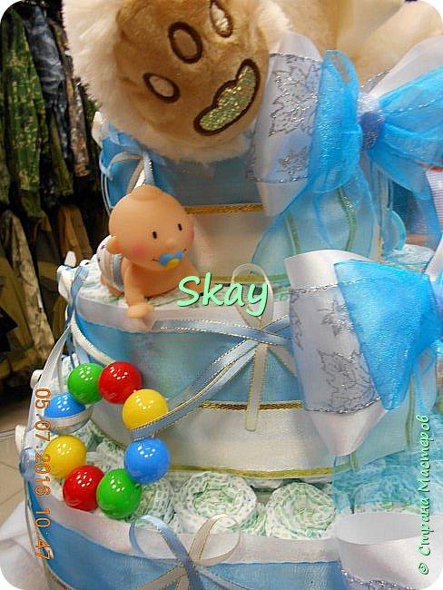 Торт из памперсов делала прямо на работе в подарок начальнице на рождение сына. фото 2
