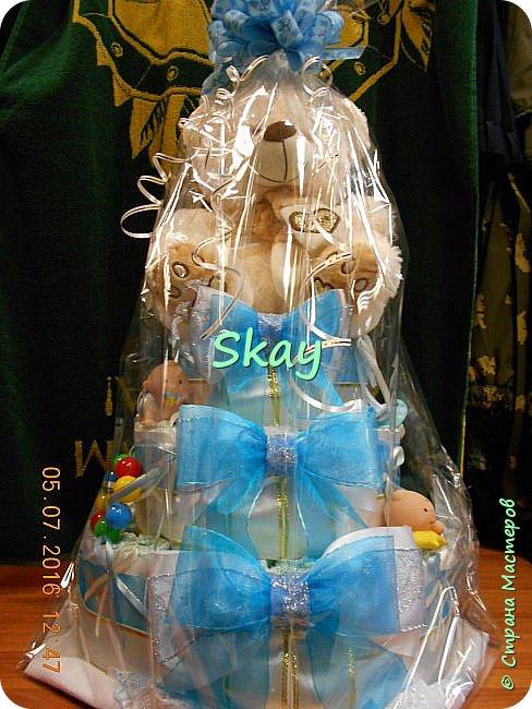 Торт из памперсов делала прямо на работе в подарок начальнице на рождение сына. фото 8