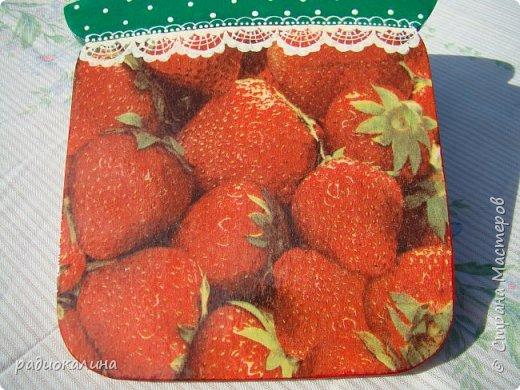 """Кухонная доска """"Ромашки за окошком"""" -декупаж и небольшая роспись кружевных занавесок, такие у моей бабушки на окошках висели. фото 7"""