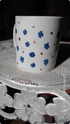 Была на мастер-классе по росписи чашек, вот что получилось. Вначале мне досталась синяя краска, ну нарисовала васильков. фото 1
