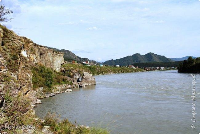 Всем здравствуйте! Продолжаем путешествие. Мы приехали в Чемал и сразу на мой любимый берег. Мы всегда по приезду приходим на берег Катуни и перед отъездом мы тоже всегда с ним прощаемся. А сегодня я пришла с ним поздороваться. фото 15