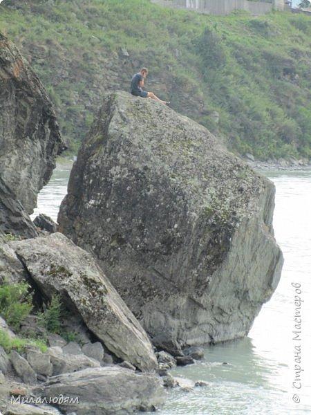 Всем здравствуйте! Продолжаем путешествие. Мы приехали в Чемал и сразу на мой любимый берег. Мы всегда по приезду приходим на берег Катуни и перед отъездом мы тоже всегда с ним прощаемся. А сегодня я пришла с ним поздороваться. фото 9