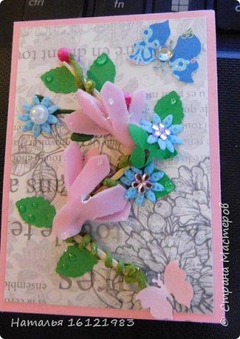 Весь сегодняшний день ходила и думала из чего делать серию. Потом приступила перебирать свои запасы, среди которых нашла: дырокольности, которые делала много месяцев назад, немного цветочков и  стразиков (остатки), сделала вырубку веточек,  и использовала краску для создания жемчужин, но я воспользовалась ею иначе...решила, что у меня цветочки будут будто после дождя..создавала этой краской капельки.  Выбирают только участники совместника http://stranamasterov.ru/node/1040245#comment-14105397 фото 6