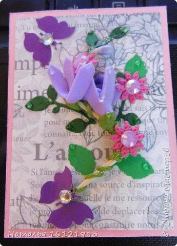 Весь сегодняшний день ходила и думала из чего делать серию. Потом приступила перебирать свои запасы, среди которых нашла: дырокольности, которые делала много месяцев назад, немного цветочков и  стразиков (остатки), сделала вырубку веточек,  и использовала краску для создания жемчужин, но я воспользовалась ею иначе...решила, что у меня цветочки будут будто после дождя..создавала этой краской капельки.  Выбирают только участники совместника http://stranamasterov.ru/node/1040245#comment-14105397 фото 8