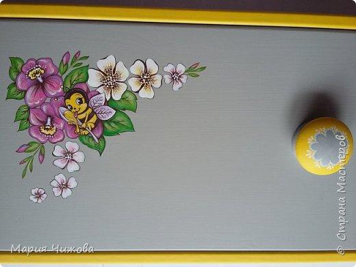 Фрагмент росписи: малышка Ева попросила пчелку))) фото 5
