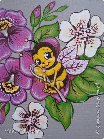 Фрагмент росписи: малышка Ева попросила пчелку))) фото 1