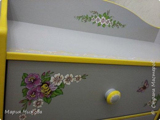 Фрагмент росписи: малышка Ева попросила пчелку))) фото 4