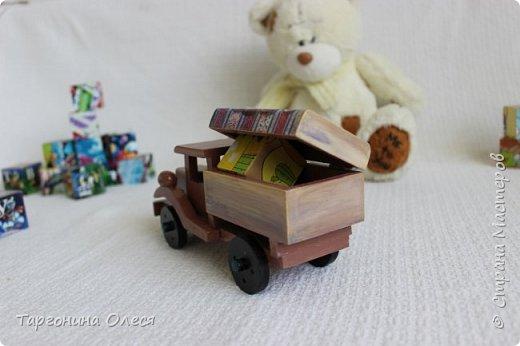 Всем добрый день. Сегодня я с простенькими работами - игрушками машинками. Использованные материалы: краска, распечатка, лак. фото 5