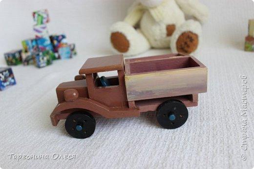 Всем добрый день. Сегодня я с простенькими работами - игрушками машинками. Использованные материалы: краска, распечатка, лак. фото 7